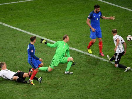 Hinh anh dang nho trong ngay tuyen Duc chia tay EURO 2016 - Anh 11