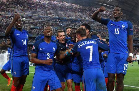 Hinh anh dang nho trong ngay tuyen Duc chia tay EURO 2016 - Anh 12