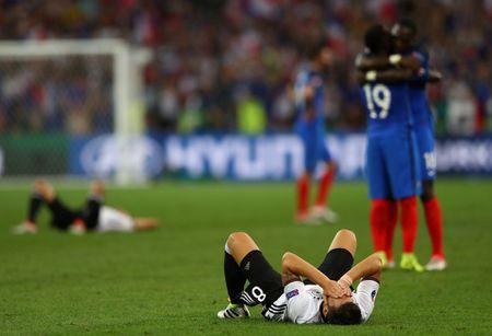 Hinh anh dang nho trong ngay tuyen Duc chia tay EURO 2016 - Anh 13