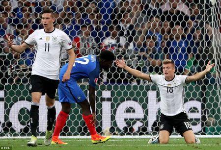 Hinh anh dang nho trong ngay tuyen Duc chia tay EURO 2016 - Anh 4