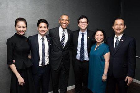 Hoa hau Thu Thao gap ong Obama nho ban trai dai gia? - Anh 2