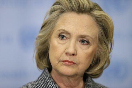 Ba Hillary Clinton bi Bo ngoai giao My dieu tra - Anh 1