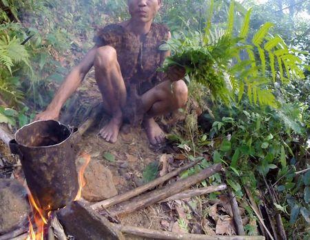 Nguoi rung Ho Van Lang len bao nuoc ngoai khien the gioi tam quen Tarzan - Anh 4