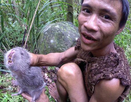 Nguoi rung Ho Van Lang len bao nuoc ngoai khien the gioi tam quen Tarzan - Anh 8