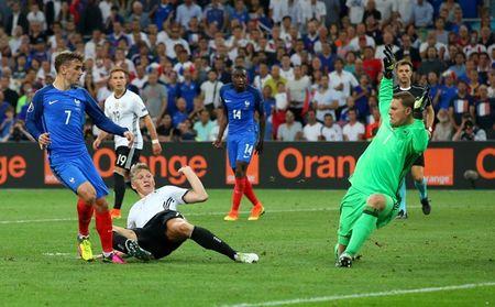 Euro 2016 Phap 2 - 0 Duc: Hay khong bang may - Anh 12