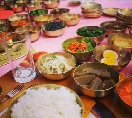 Xem thuc don an uong sang chanh cua nha giau Trieu Tien - Anh 2