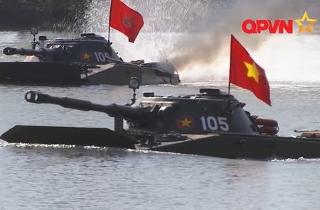 Viet Nam chon Nga hay Israel nang cap tang PT-76B? - Anh 1
