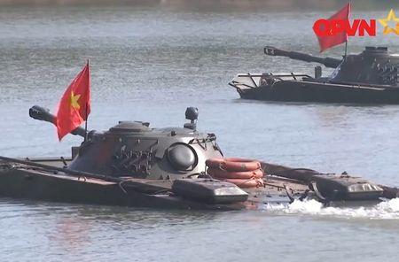 Viet Nam chon Nga hay Israel nang cap tang PT-76B? - Anh 2