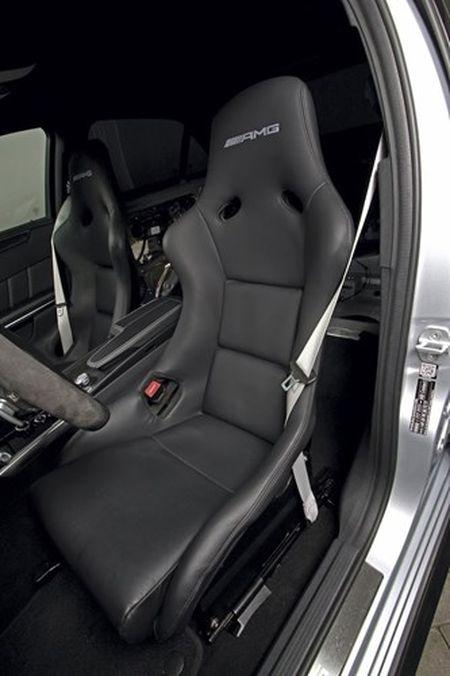 """Soc"" Mercedes E63 AMG do manh hon sieu xe khung - Anh 6"