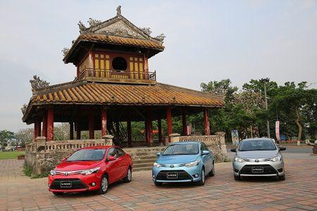Bang gia xe Toyota tai Viet Nam thay doi sau ngay 1/7 - Anh 1
