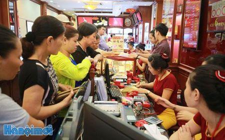 Gia vang 'nhay mua': Than trong voi tam ly dam dong - Anh 1