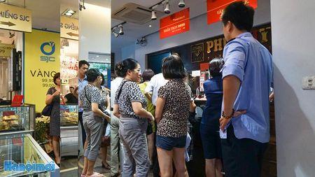 Gia vang 'nhay mua': Than trong voi tam ly dam dong - Anh 2