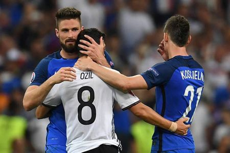 Tin tuc Euro 8/7: Chon trong tai Rizzoli bat tran Duc-Phap la dung quy trinh - Anh 3