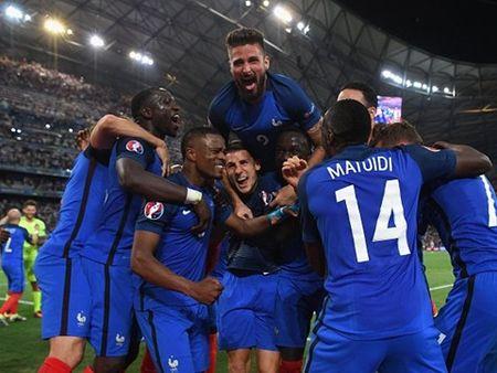 Phap vao chung ket Euro 2016: Thap lua hy vong cho ca dan toc - Anh 2