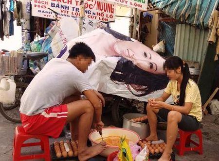 """Hai hung: Trung ga nuong chua chat phu gia, nuoc la va ca hoa chat """"la"""" - Anh 1"""