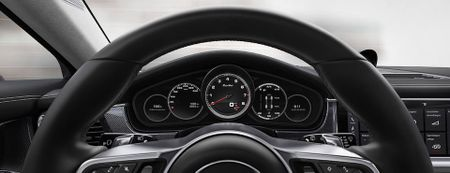 8 dieu ban can biet ve Porsche Panamera 2017 - Anh 3