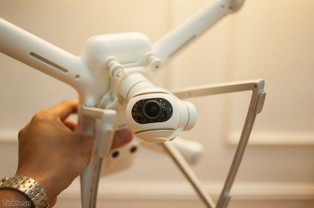 Tren tay Xiaomi Drone: hoan thien cao cap, gon nhe, de dang thao lap - Anh 21
