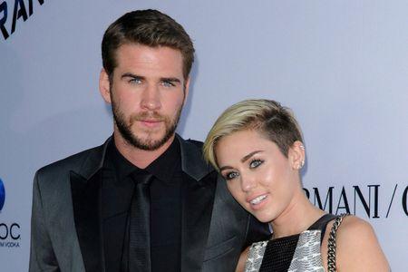 """Miley Cyrus bi don """"an com truoc keng"""" - Anh 1"""