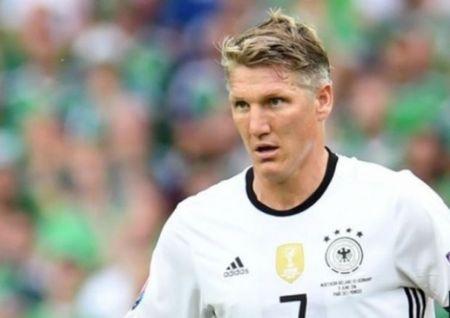 Bastian Schweinsteiger lap ky luc Euro va World Cup - Anh 1