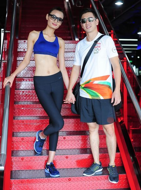 Chong Le Thuy cung chieu cong vo - Anh 1