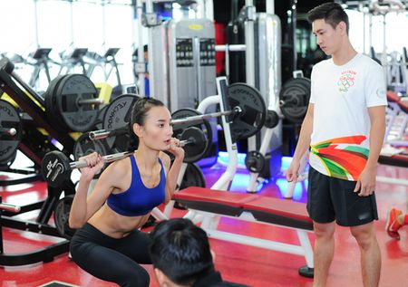Chong Le Thuy cung chieu cong vo - Anh 4
