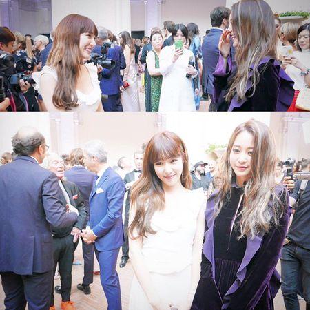 Sao Han 8/7: Tiffany bi nghi 'dim' dan chi, Victoria khoe chan trang nuot - Anh 6