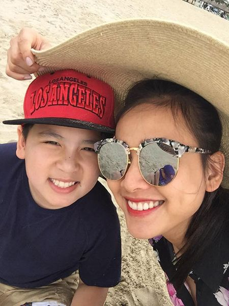 Duong My Linh dua 3 con Bang Kieu ve Viet Nam du lich - Anh 7