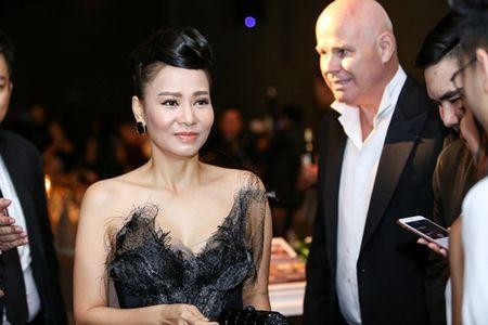 Thu Minh day nong bong khi du su kien cung chong Tay - Anh 2