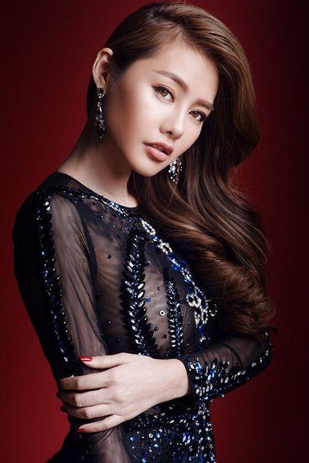 Linh Chi lien tiep khoe than hinh nong bong voi vay ao ho bao - Anh 3