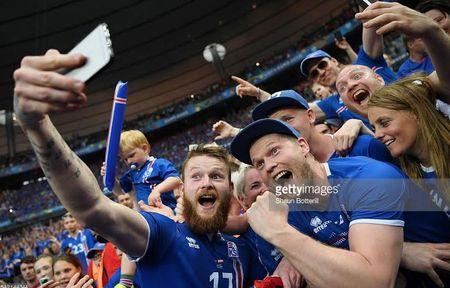 Euro 2016: Nu cuoi Griezmann - Anh 2