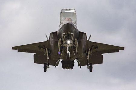 F-35 se la 'than lan sam' loi hai hay la moi ngon cua Trung Quoc va Nga? - Anh 1