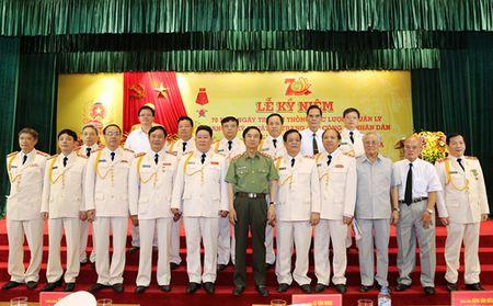 Luc luong Quan ly trang bi ky thuat va trang cap CAND don nhan Huan chuong Quan cong hang Ba - Anh 1