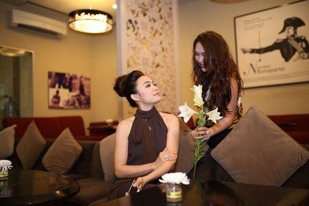 Sau lum xum Duong Cam Lynh, Tinna Tinh tung MV 'Doi kho doan' - Anh 3