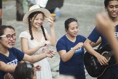Dien vien 'Toi thay hoa vang tren co xanh' kham pha vinh Manila - Anh 8