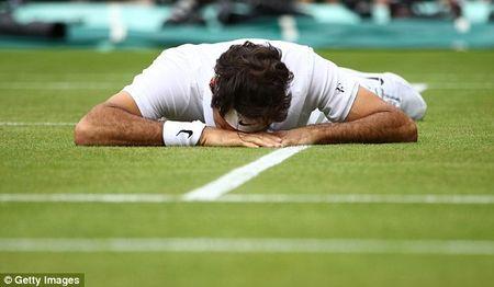 Federer guc nga truoc 'dan em' o ban ket Wimbledon - Anh 1