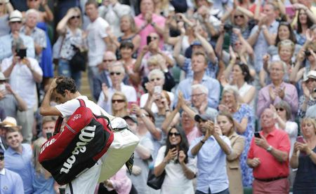 Federer guc nga truoc 'dan em' o ban ket Wimbledon - Anh 4