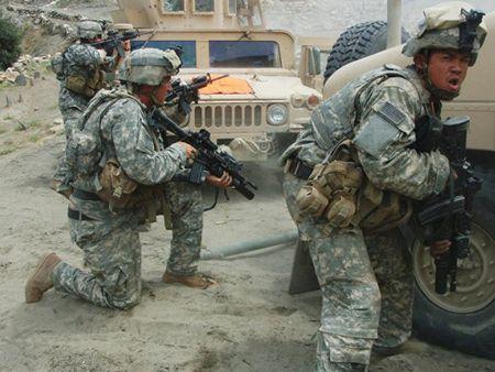 Giu nguyen quan so o Afghanistan, My ton them bao nhieu tien? - Anh 1