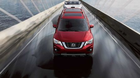 Nissan Pathfinder 2017: Xe gia dinh rong rai va tien loi - Anh 3