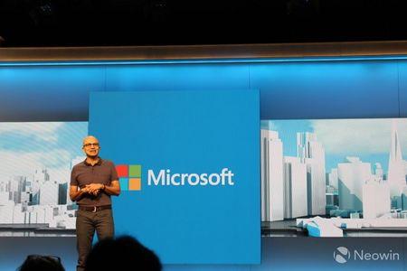 Satya Nadella tai co cau doi ngu lanh dao Microsoft - Anh 1