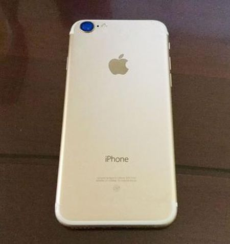 Day co phai la Apple iPhone 7 phien ban Gold sang trong? - Anh 2