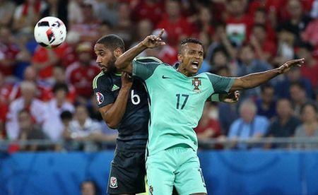 'Dream Team' vong ban ket EURO 2016: - Anh 10