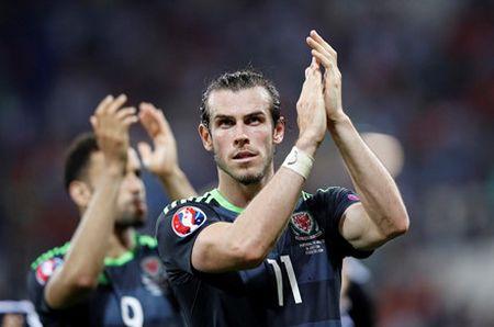 'Dream Team' vong ban ket EURO 2016: - Anh 12
