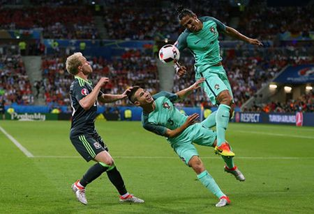'Dream Team' vong ban ket EURO 2016: - Anh 6