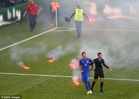 Cuoc doi dau Ronaldo - Griezmann o ca Champions League va EURO: Cung 1 trong tai phan xu - Anh 3
