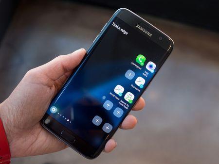 Anh dung Galaxy Note 7 khien Apple 'mat an mat ngu' - Anh 1