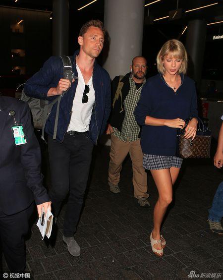 Loki va Taylor Swift bi to dang dien vo kich yeu - Anh 3