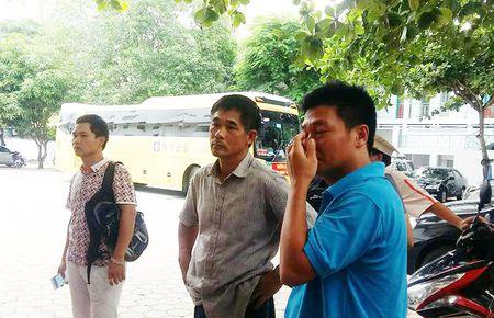 Khong chap nhan viec khach san 'giam' xe cua du khach - Anh 1