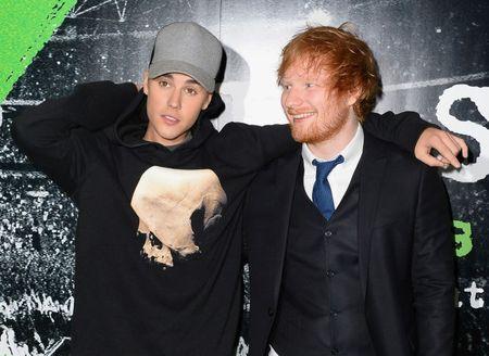 Justin Bieber che MV khoa than cua Kanye West - Anh 1