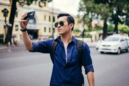 Hot boy Thien Minh hoa nhiep anh gia lich lam - Anh 2