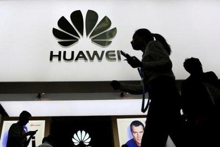 Phat 8 doanh nghiep phat tan tin nhan rac; Huawei kien Samsung lan 2 - Anh 4